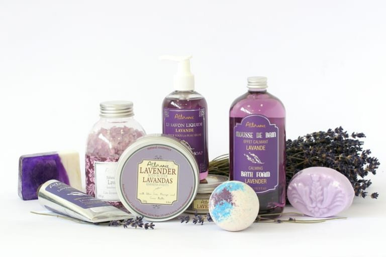 Kosmetikprodukte mit Lavendel