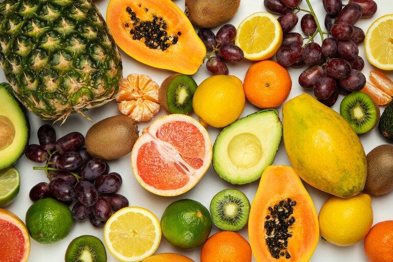 Obst auf Tisch